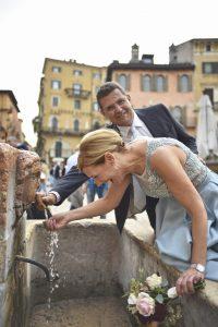 fotografo-matrimoni-verona-fontana-sposi