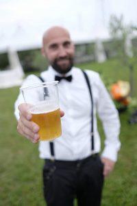 birra-sposo-festa-matrimonio-bardolino