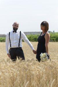 campo-di-grano-sposi-matrimonio