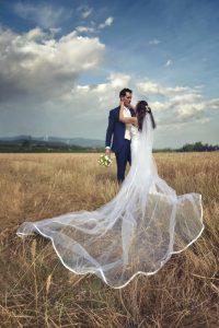 campo-di-grano-velo-matrimonio-sposi-affi