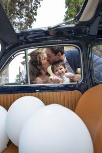 fiat-500-palloncini-bianchi-sposi-figlio