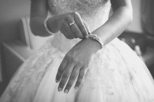 mani-sposa-gioielli-matrimonio