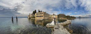 punta-san-vigilio-lago-garda-sposi-panorama