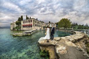punta-san-vigilio-matrimonio-sposi-panoramica
