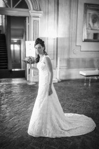 sposa-abito-bianco-strascico