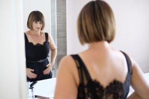 sposa-abito-nero-specchio