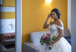 sposa-specchio-abito