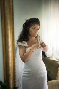 sposa-specchio-abito-sposa